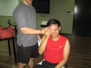 Compress on an eye injury